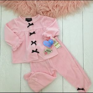 ✨2/$40✨NWT Adorable baby outfit